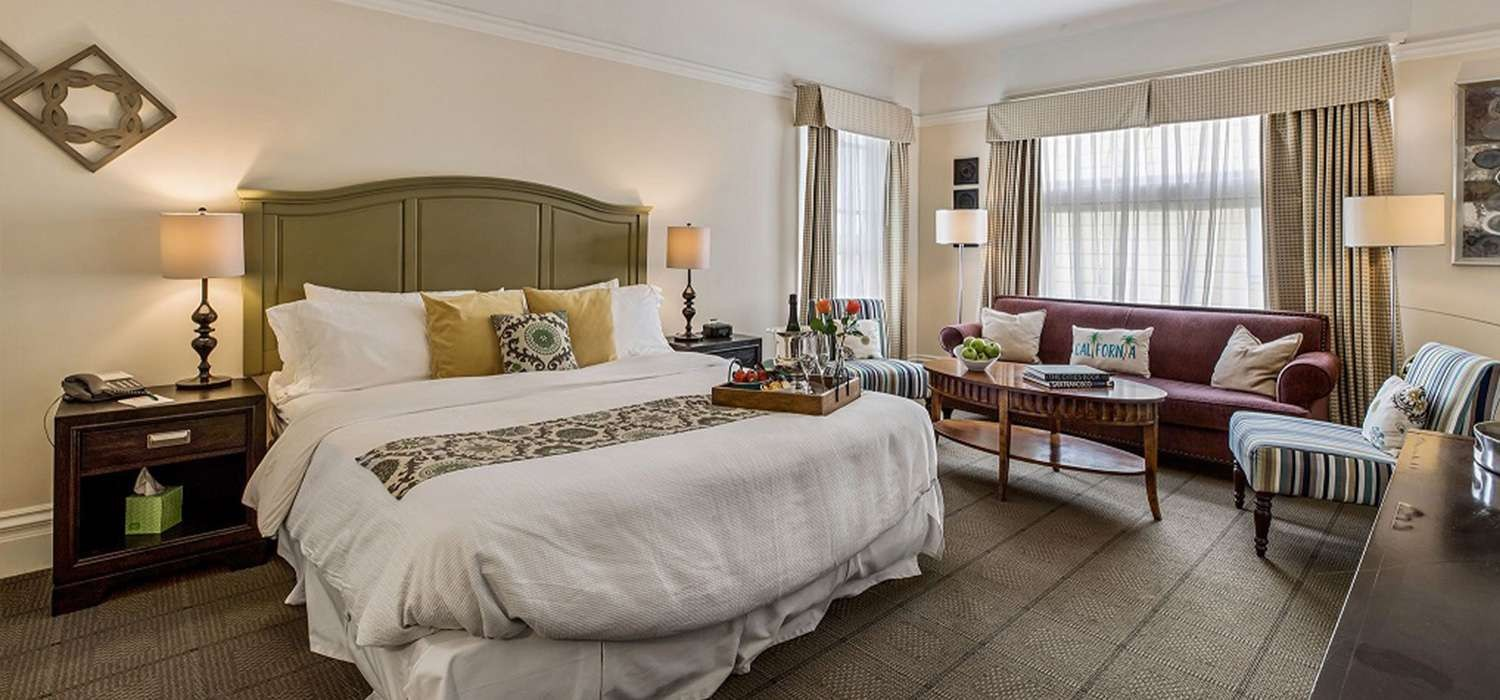 OUR LUXURIOUS GUEST ROOMS WITH ELEGANT TOUCHESARE IDEAL FOR ANY OCCASION