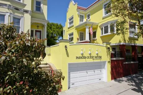 Parker Guest House - Hotel Entrance
